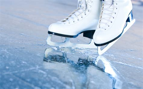 Young Professionals: Ice-Skating Image
